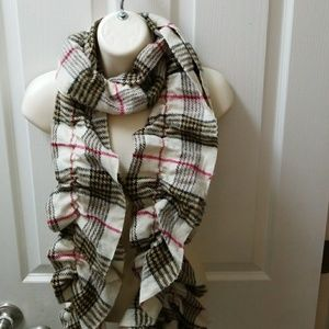 Scrunchy scarf for fall and Spring